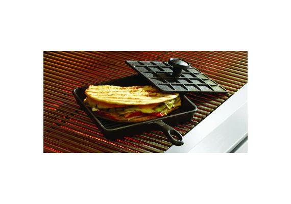 Tigaie grill sandwich adanca patrata din fonta cu maner si capac Mr Padellas Activa 21 cm 20040