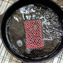 Unealta cu zale din inox pentru curatat vase din fonta Lodge L-ACM10R41